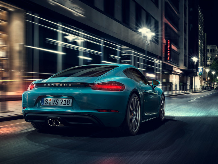 Porsche Cayman at night