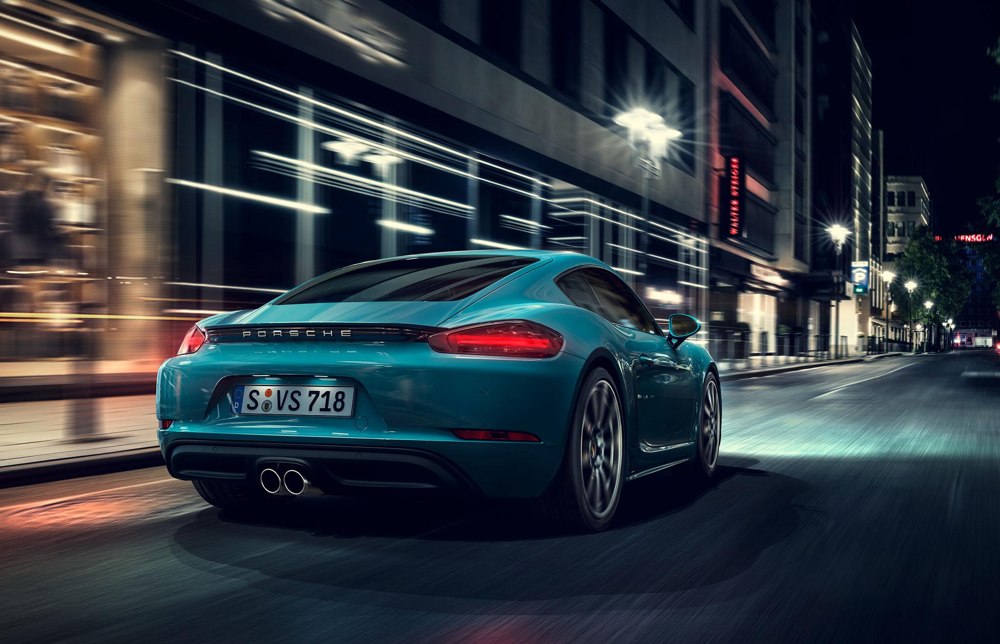 Porsche Cayman at night