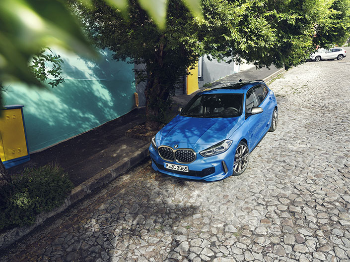 BMW F40